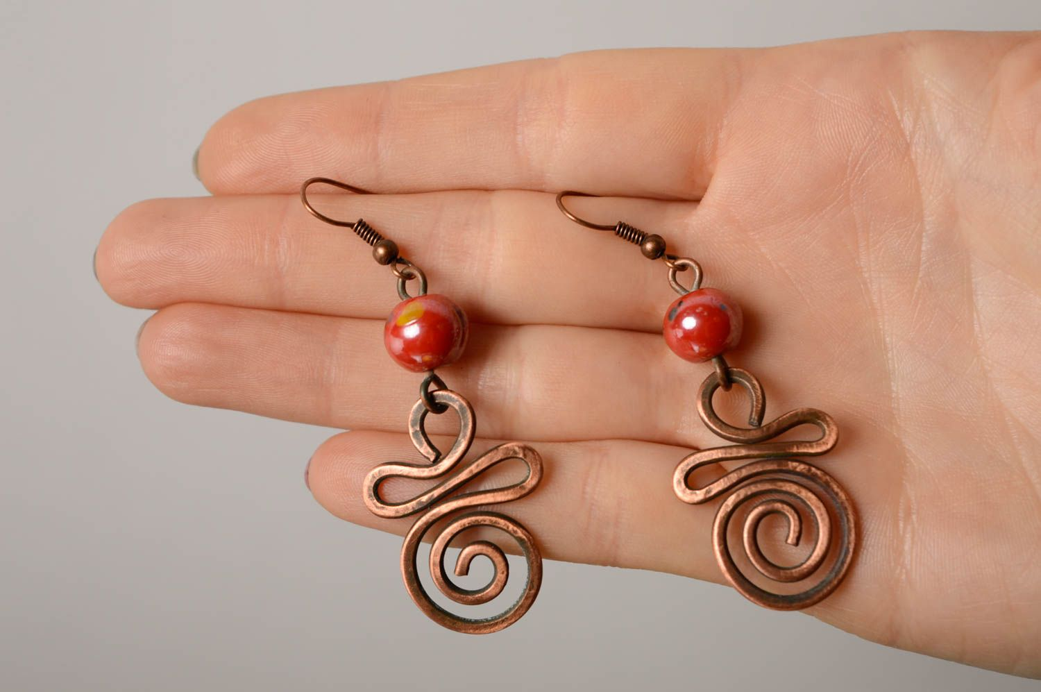 Handmade copper earrings with Indian beads photo 3