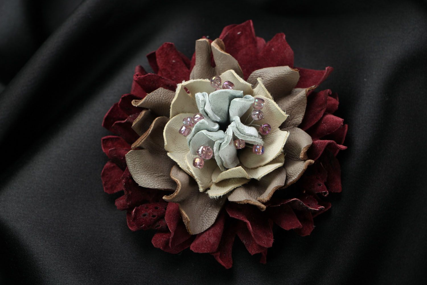 Large leather brooch photo 1