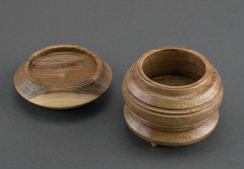 Caja de madera pequeña  foto 4