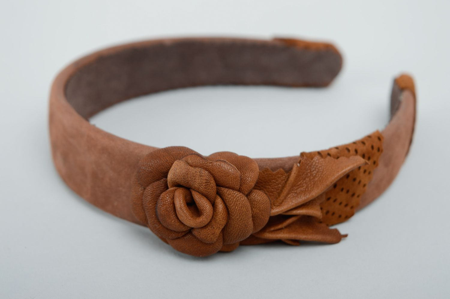 Brown leather headband with flower photo 1