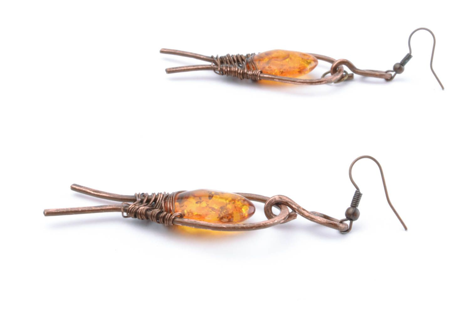 Copper dangle earrings with amber photo 1