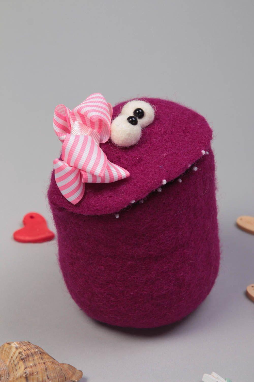 madeheart korb aus filz filzen spielzeug beh lter aus stoff spielzeug aus filz lustig. Black Bedroom Furniture Sets. Home Design Ideas