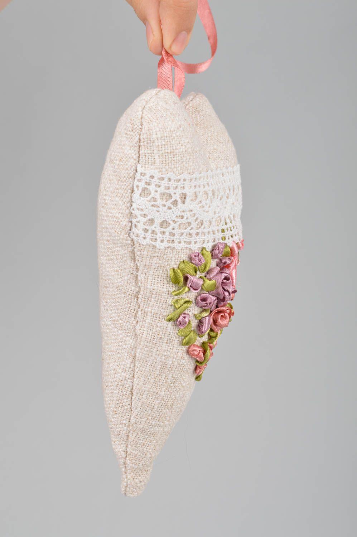 Handmade heart shaped scented fabric interior sachet pillow for home decor photo 3