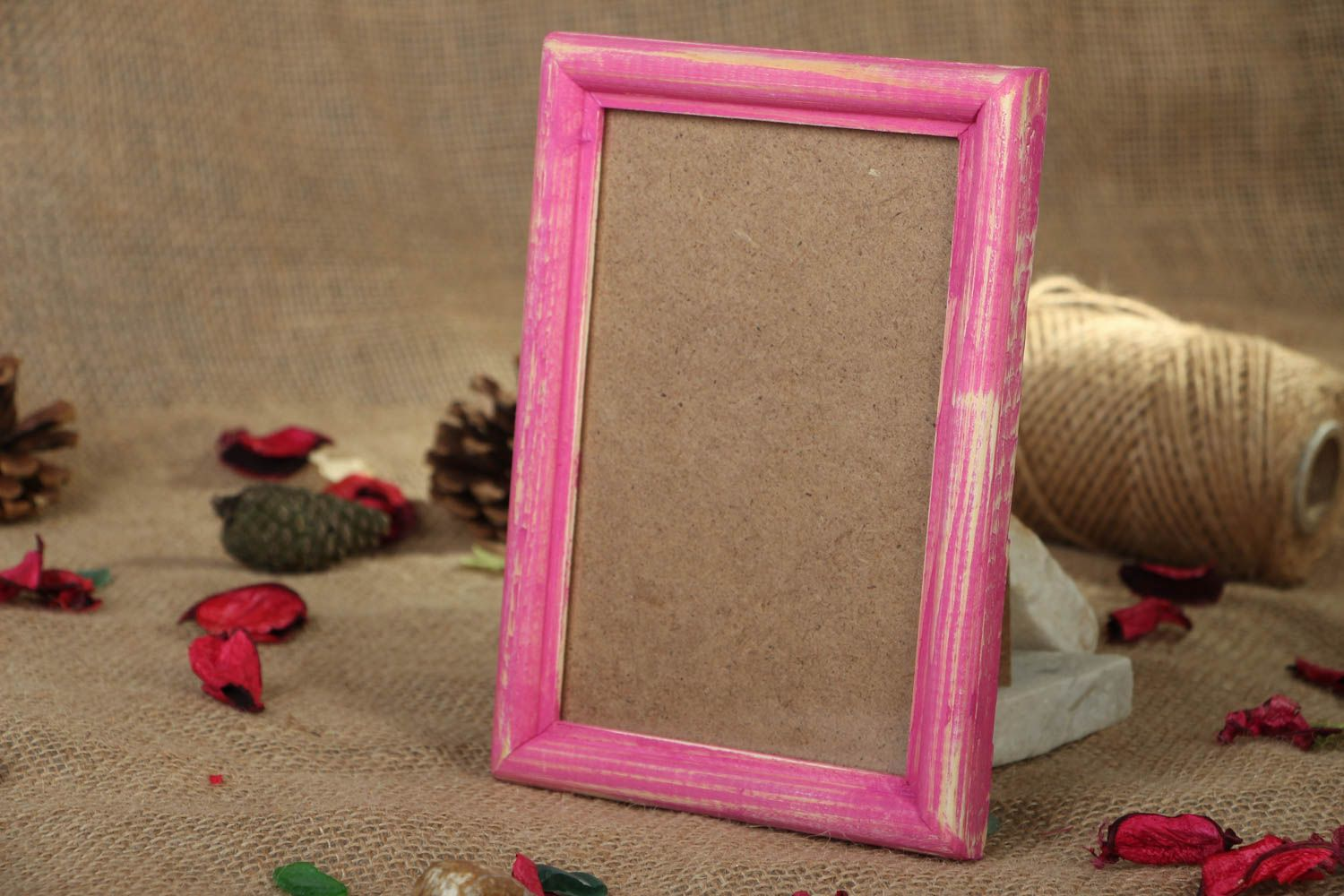 Pink wooden photo frame photo 5