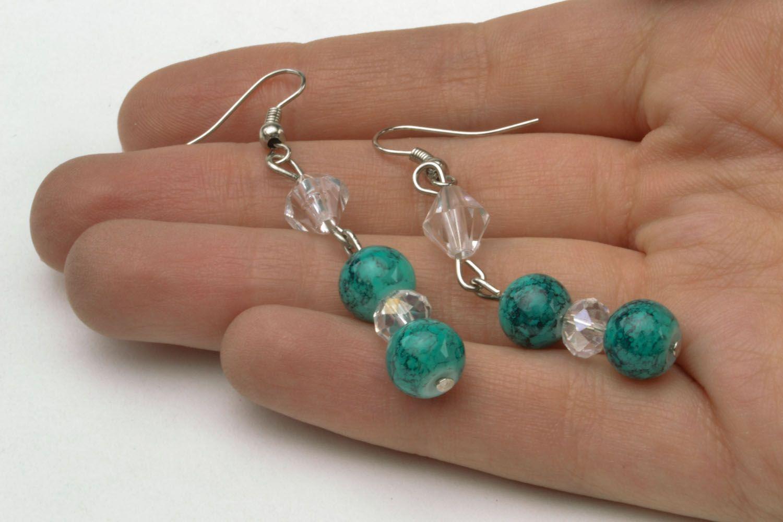 Lange Ohrringe mit Glasperlen foto 5