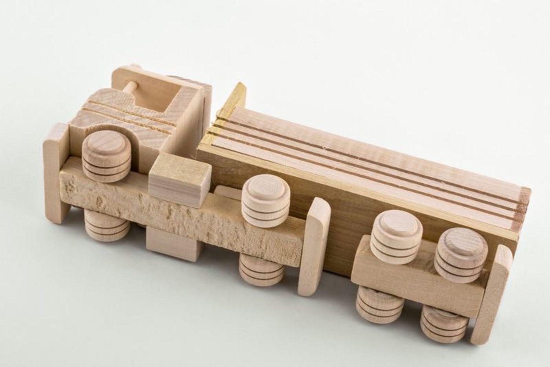 Madeheart juguete de madera cami n - Jugueteros de madera ...