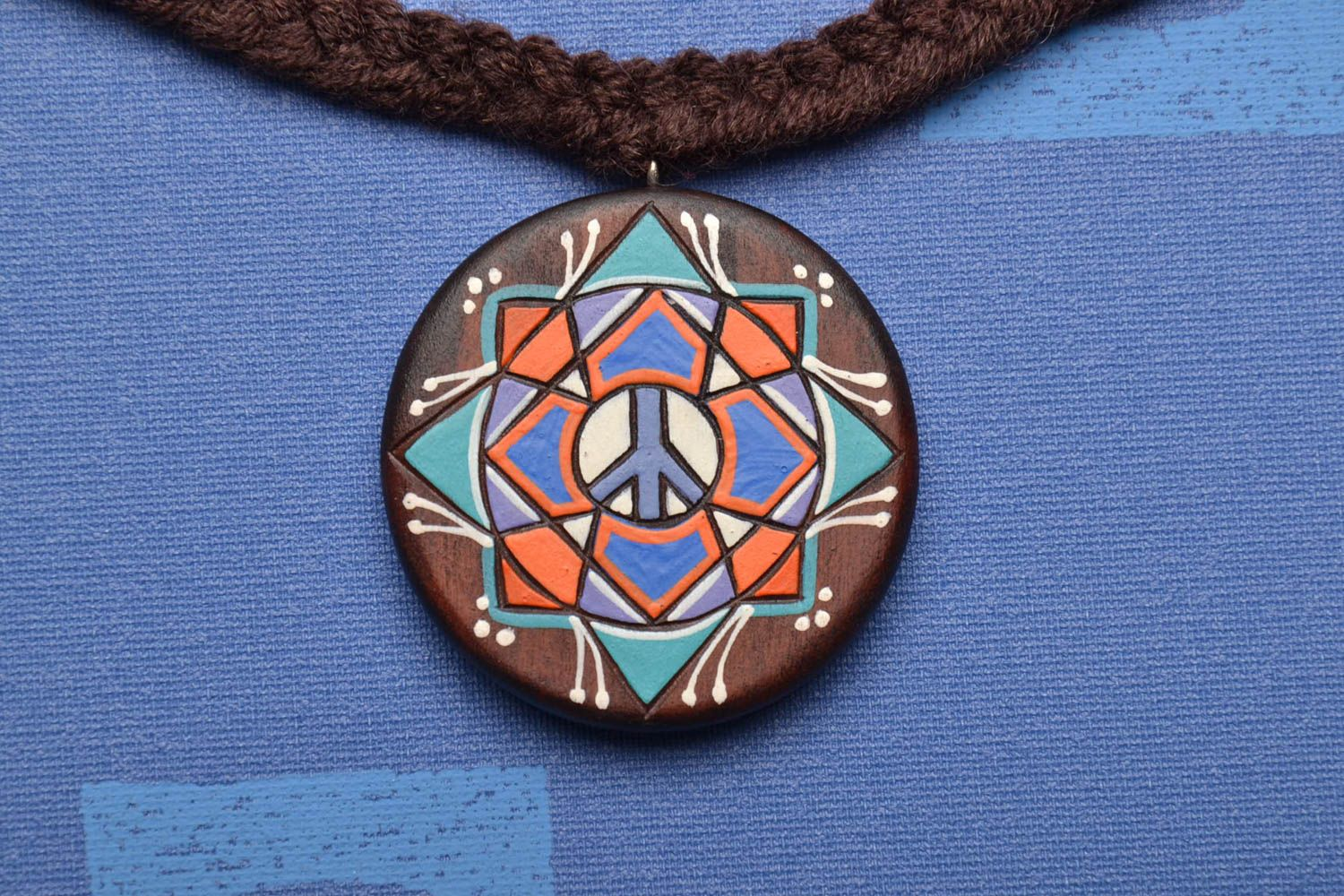 Wooden pendant Pacific photo 1