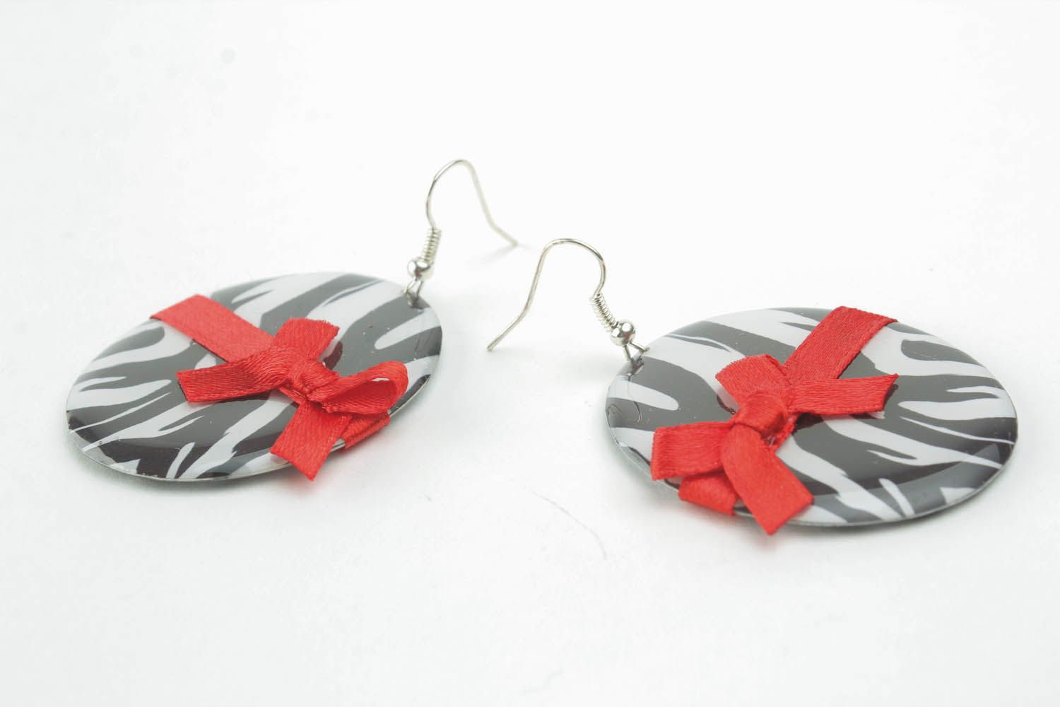 Earrings with bows photo 3