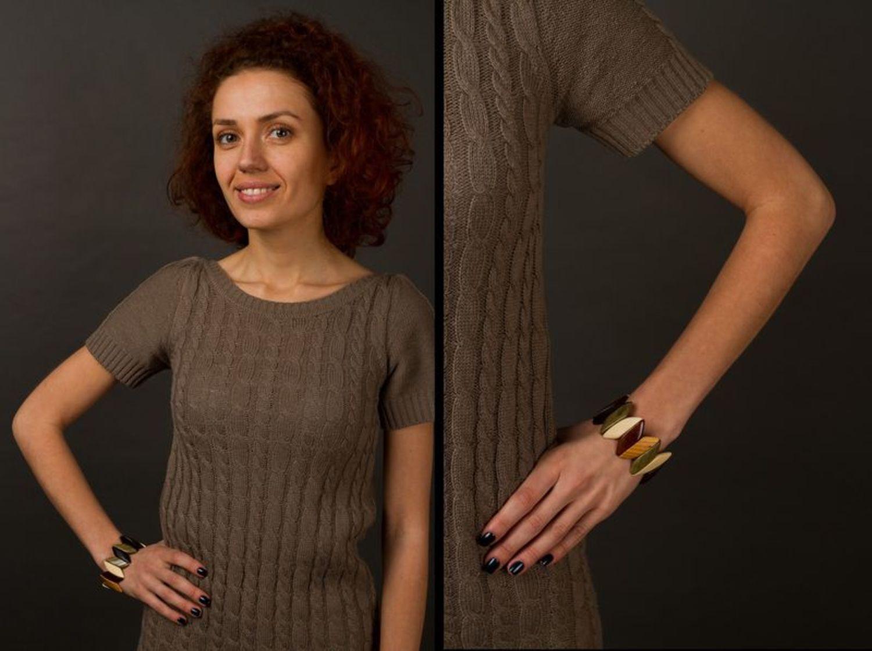 Wooden varnished bracelet photo 2