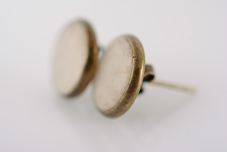 Круглые плоские серьги гвоздики