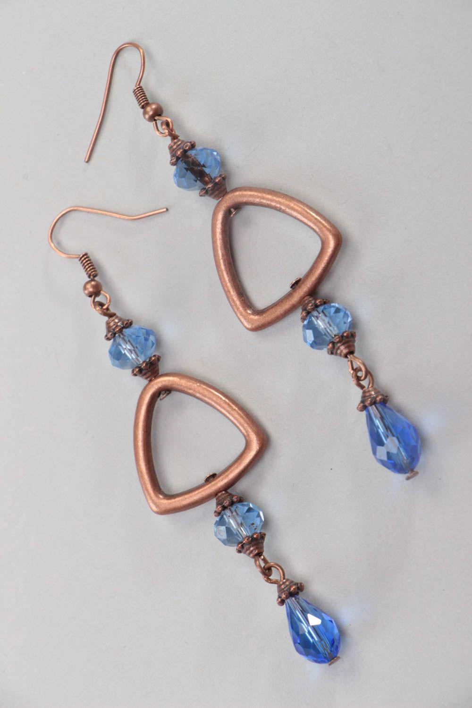 Медные серьги из хрустальных бусин ручной работы оригинальные длинные синие фото 2