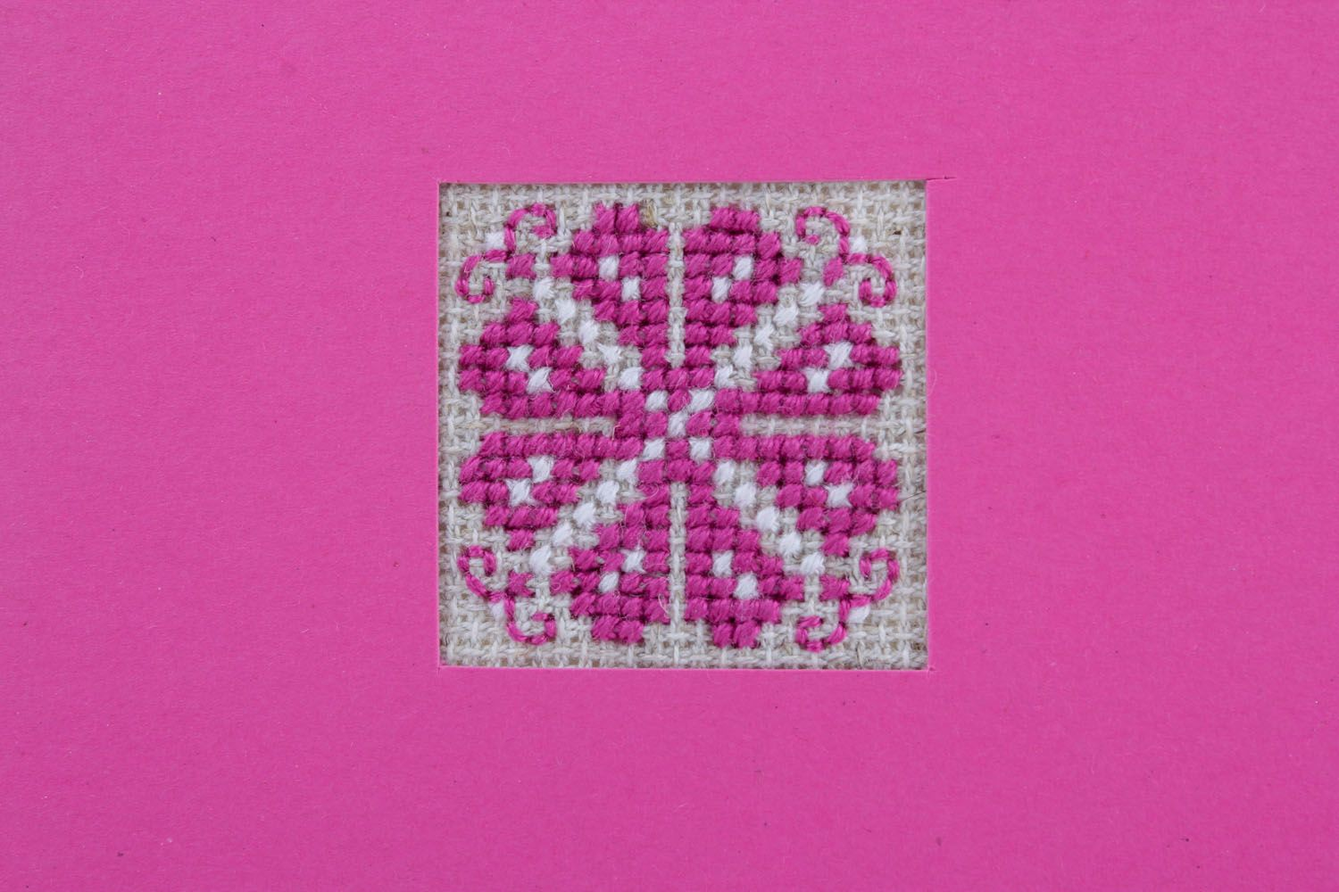 Pink greeting card with embroidery photo 3