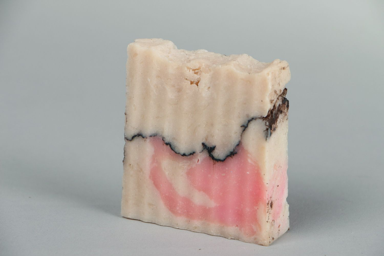 Notice: Undefined variable: cat in /home/newmadeheart/prod/cache/volt/%%home%%newmadeheart%%prod%%app%%views%%product%%index.volt.php on line 139  Handmade soap with almond oil - MADEheart.com