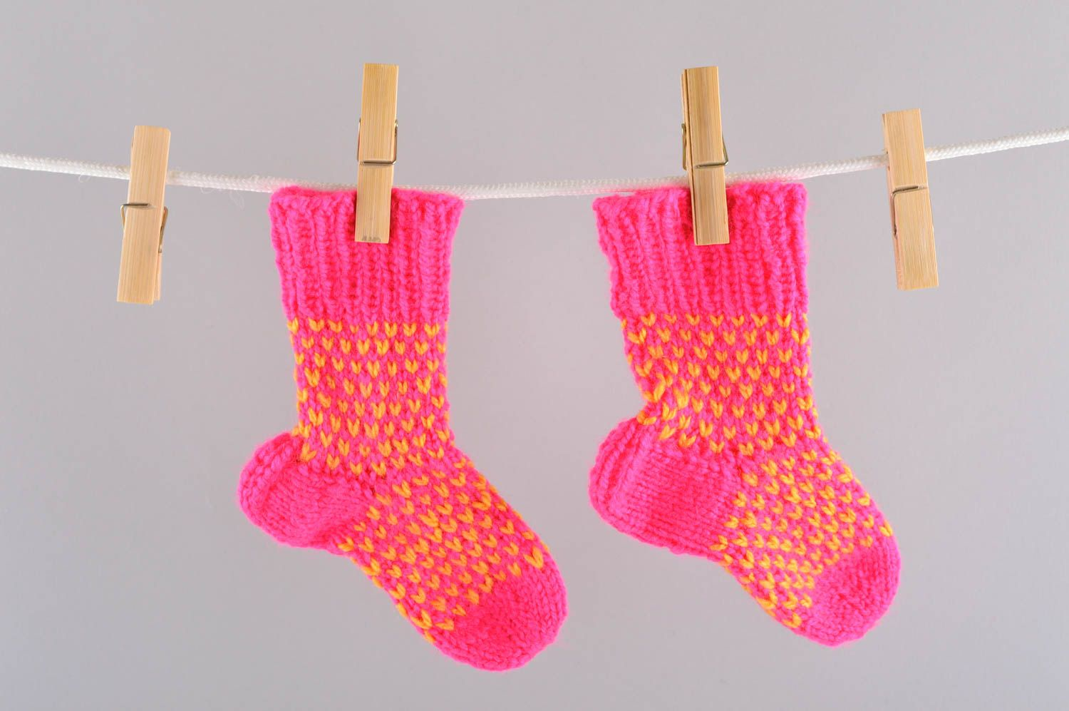 Notice: Undefined variable: cat in /home/newmadeheart/prod/cache/volt/%%home%%newmadeheart%%prod%%app%%views%%product%%index.volt.php on line 139  Handmade knitted baby socks winter socks winter accessories present for kid - MADEheart.com