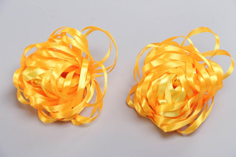 Набор резинок для волос из лент оранжевый ручной работы авторский 2 штуки фото 2