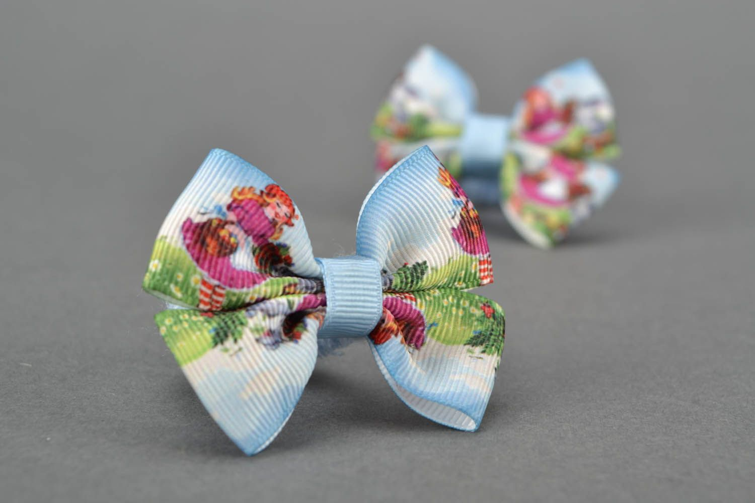 Scrunchies with bows photo 1