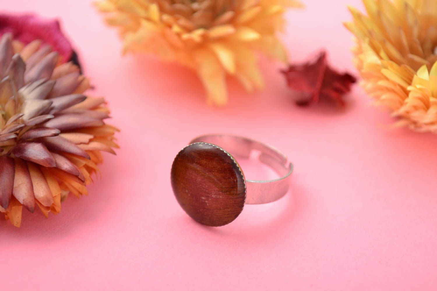 Round-shaped handmade stylish brown ring with epoxy resin adjustable size photo 1