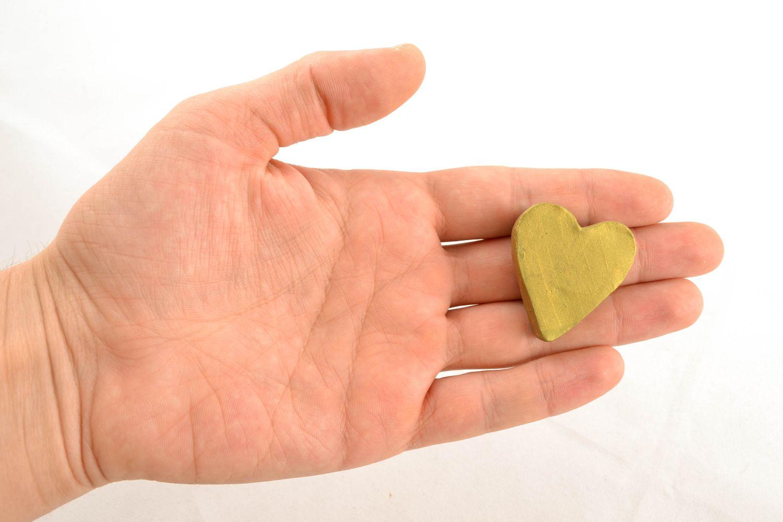 Ceramic fridge magnet in the shape of lime heart photo 1