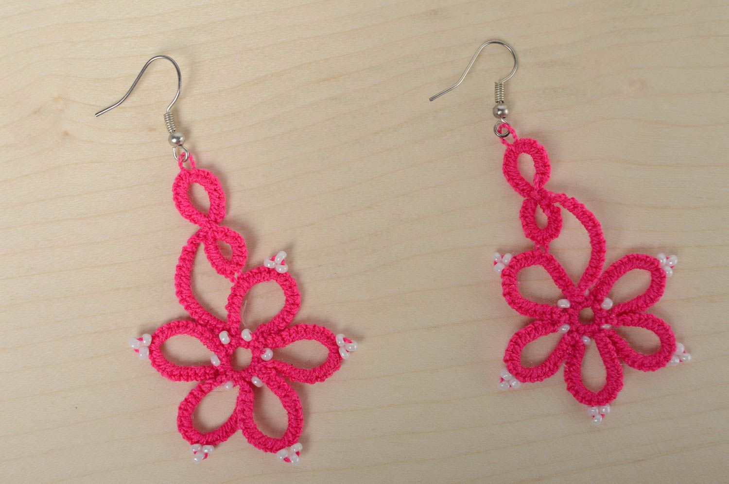 Pink woven earrings photo 2