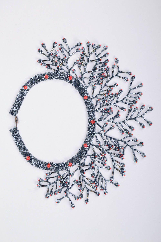 Gray beaded necklace photo 2