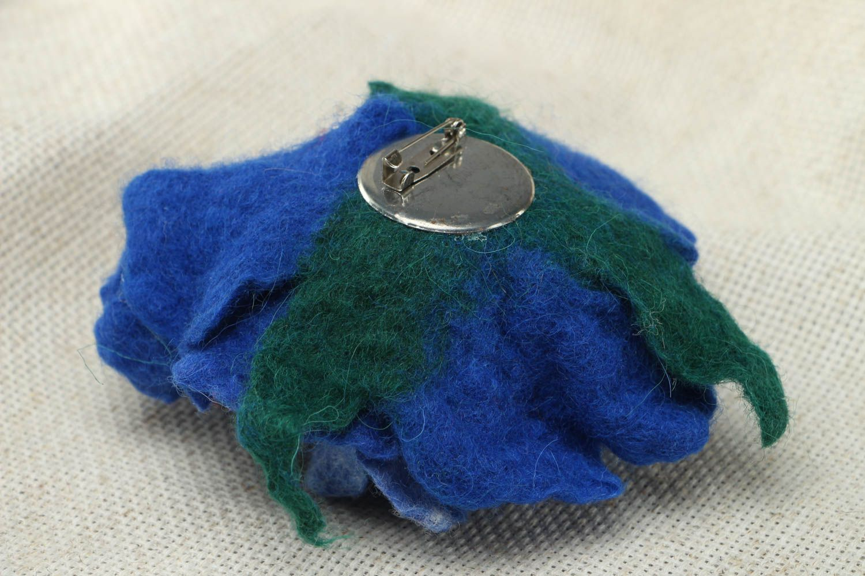Wool brooch in the shape of blue peony photo 3