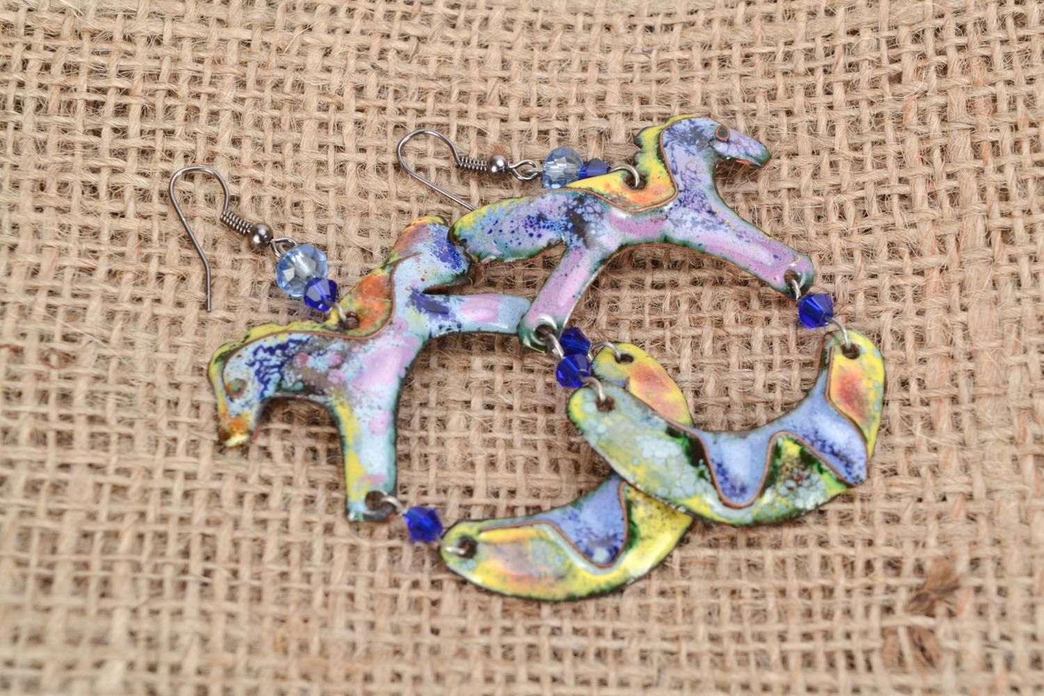 Copper enamel in the shape of horses photo 1