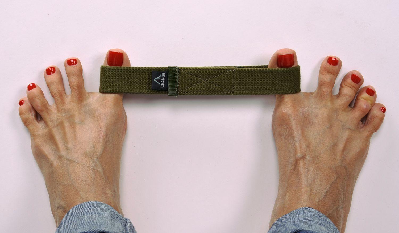 Fixing yoga strap for feet photo 2