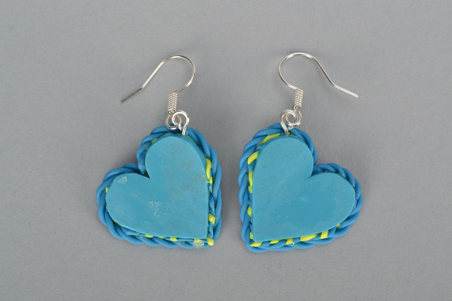 Plastic heart-shaped earrings photo 3