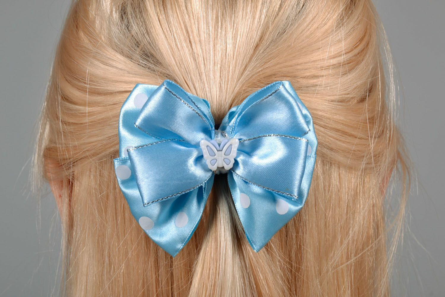 Bow hair clip photo 1