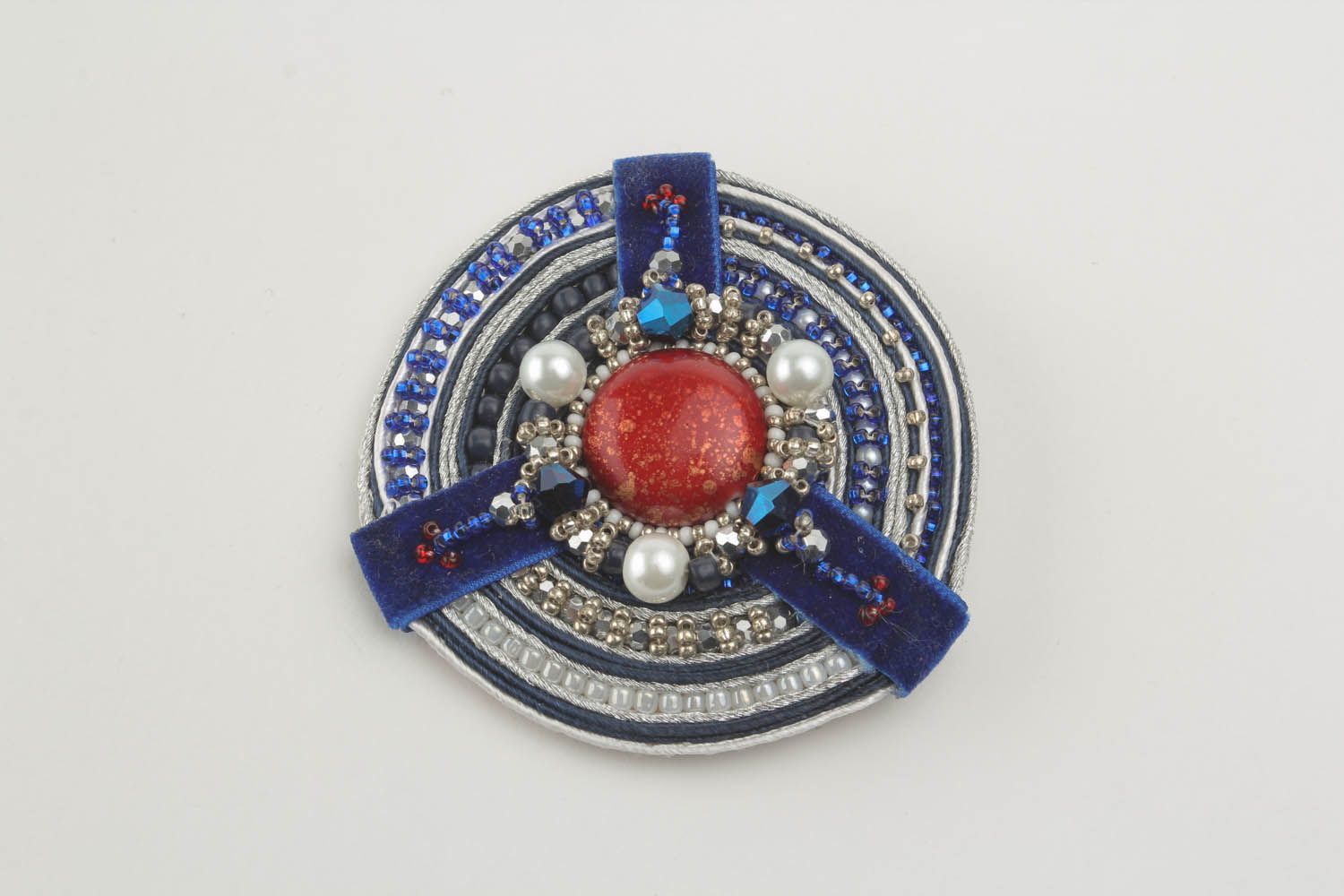 Brooch with soutache ribbon photo 4