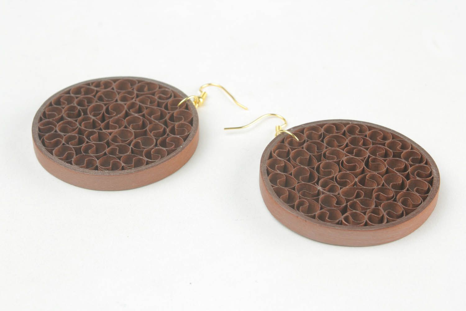 Round paper earrings of brown color photo 4