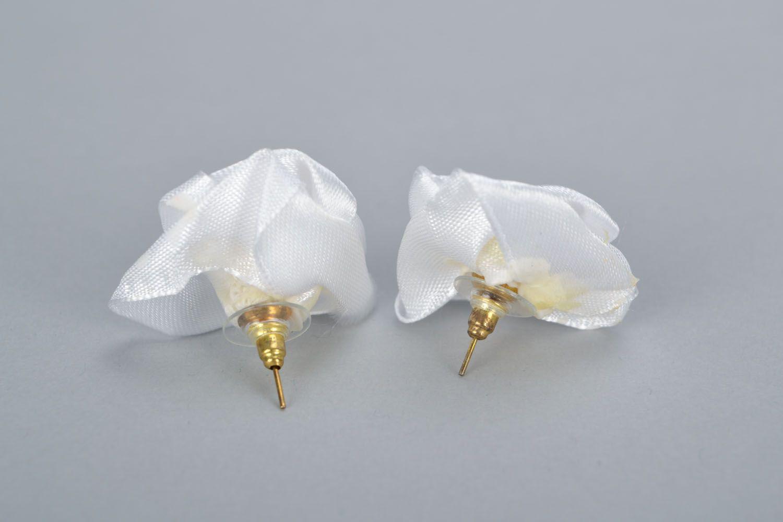 Homemade stud earrings White roses photo 4