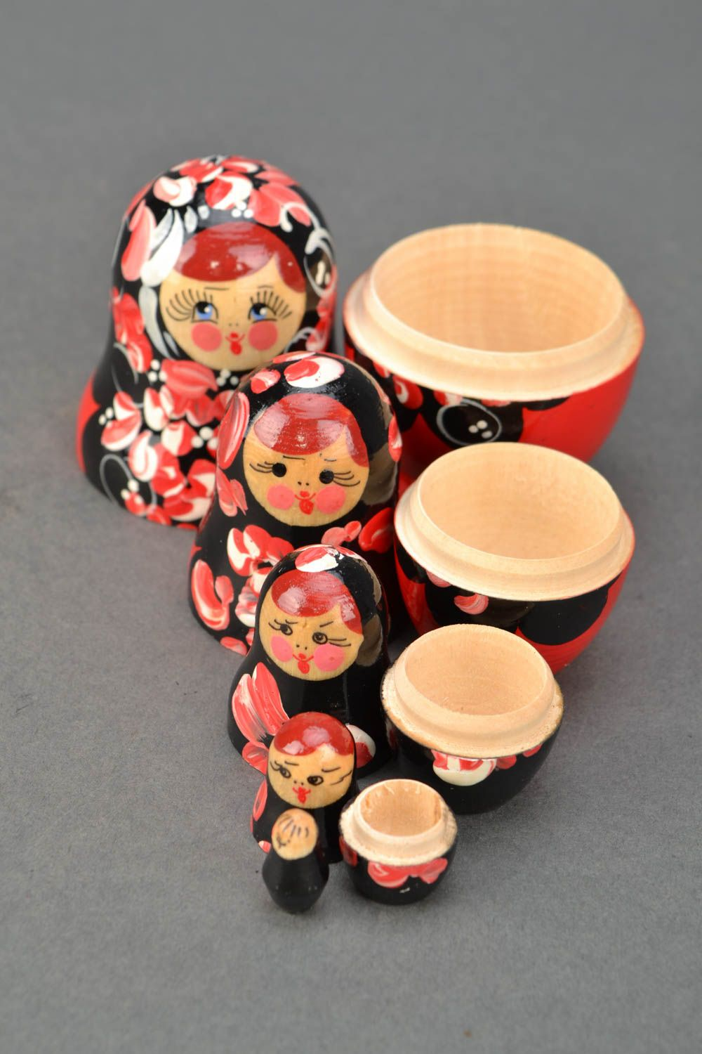 Wooden nesting doll with Petrikov painting photo 4