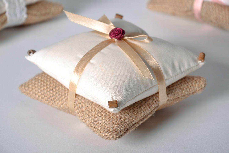 изготавливается ароматные подушечки для сна для своего
