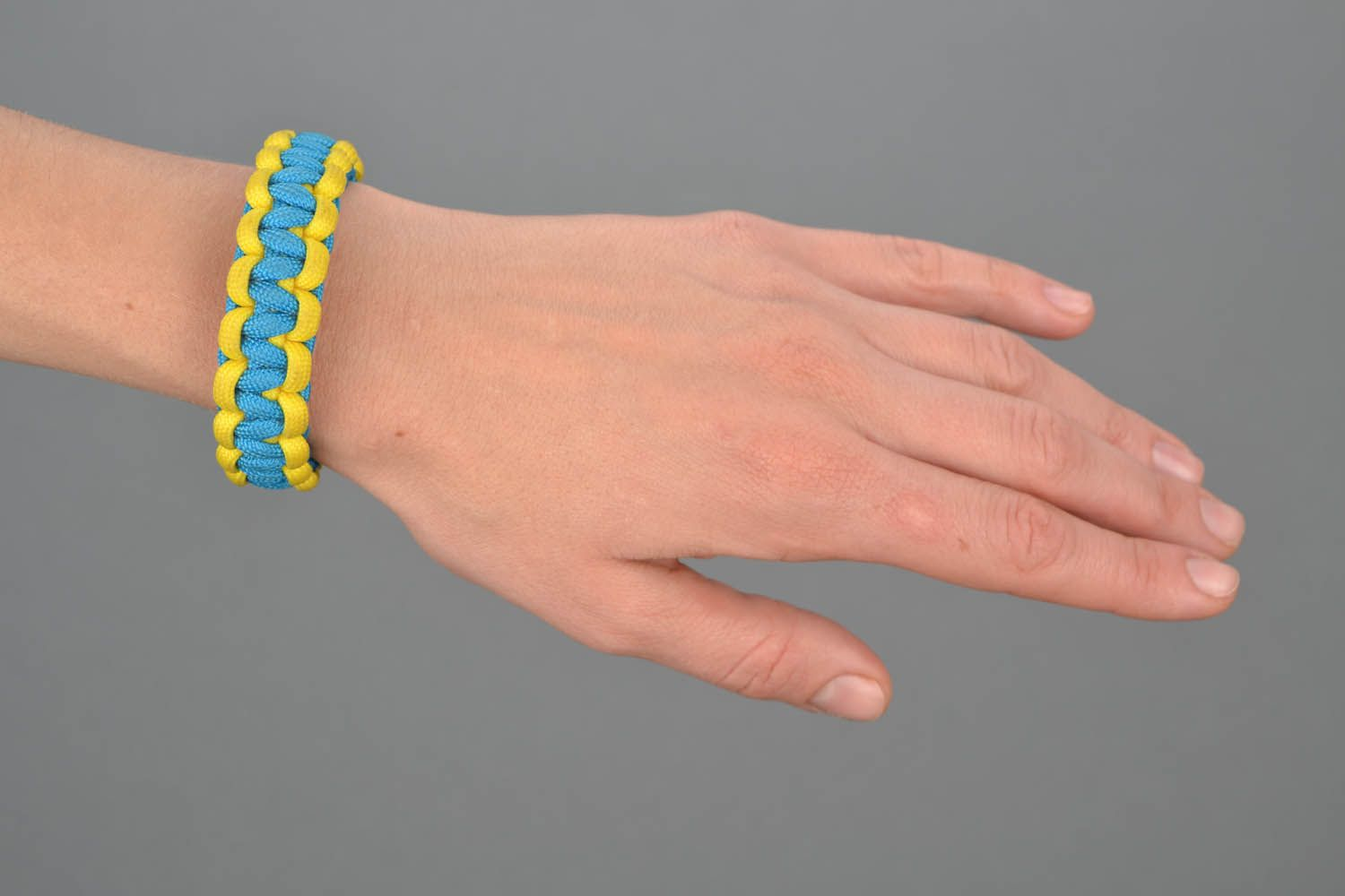 Paracord bracelet Ukraine photo 1