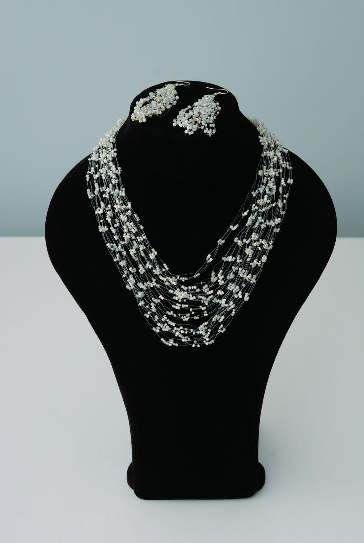 Beaded jewelry set photo 1