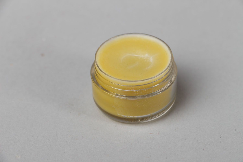 Nourishing lip balm photo 1