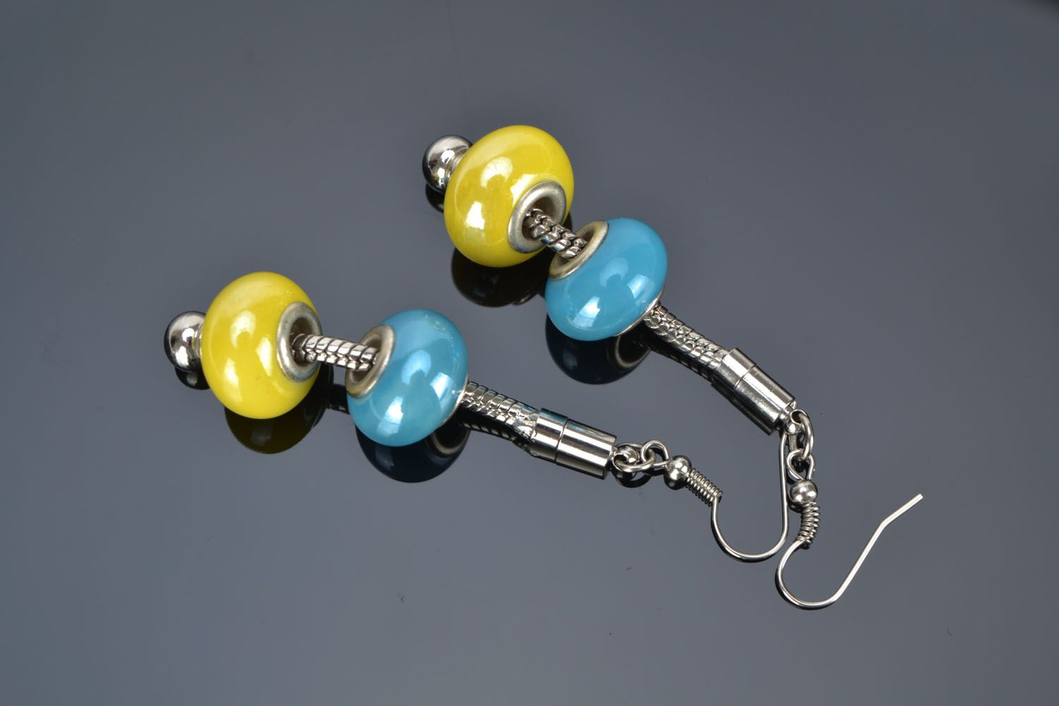 Bright earrings with beads photo 1
