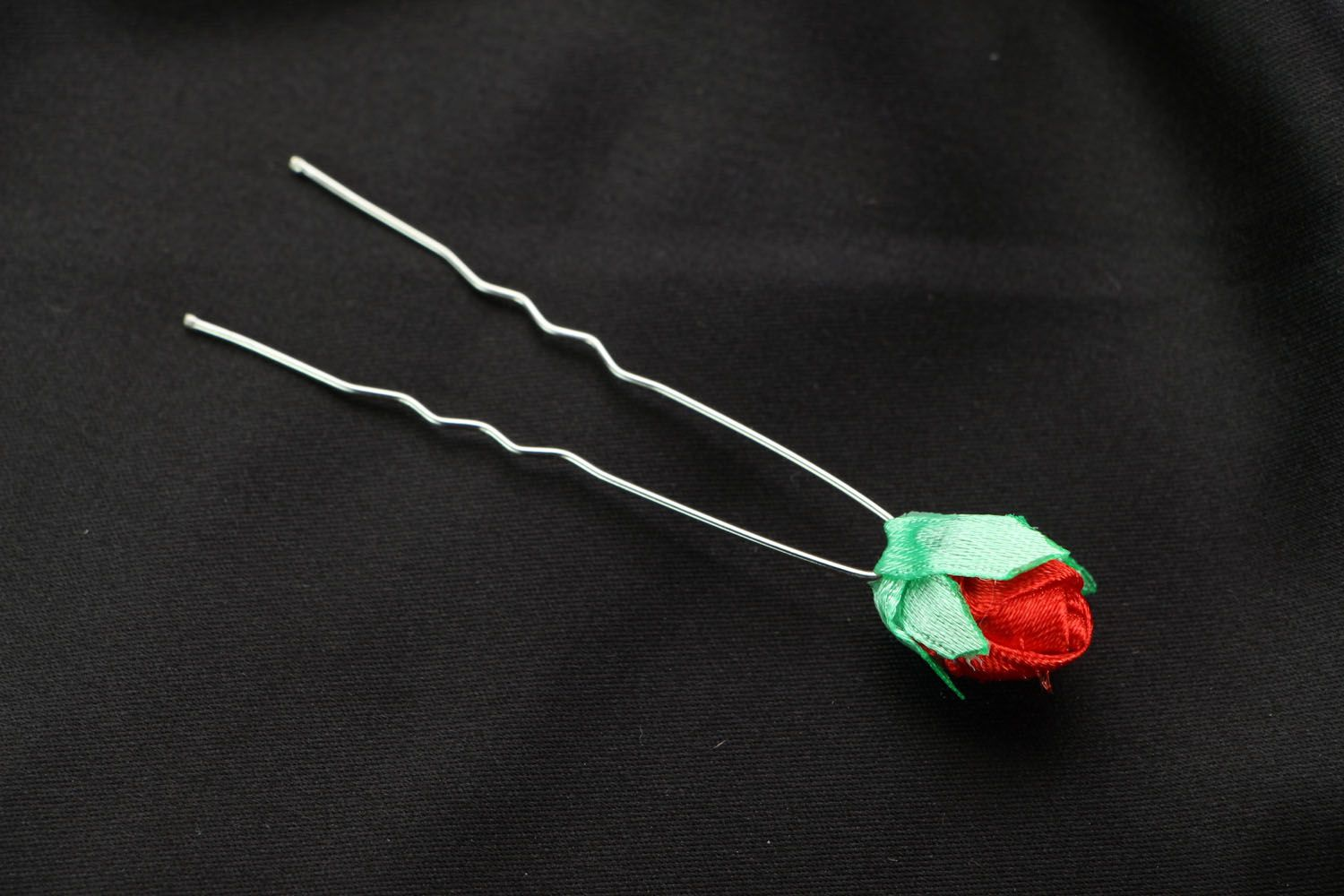 Hairpin with a flower photo 1