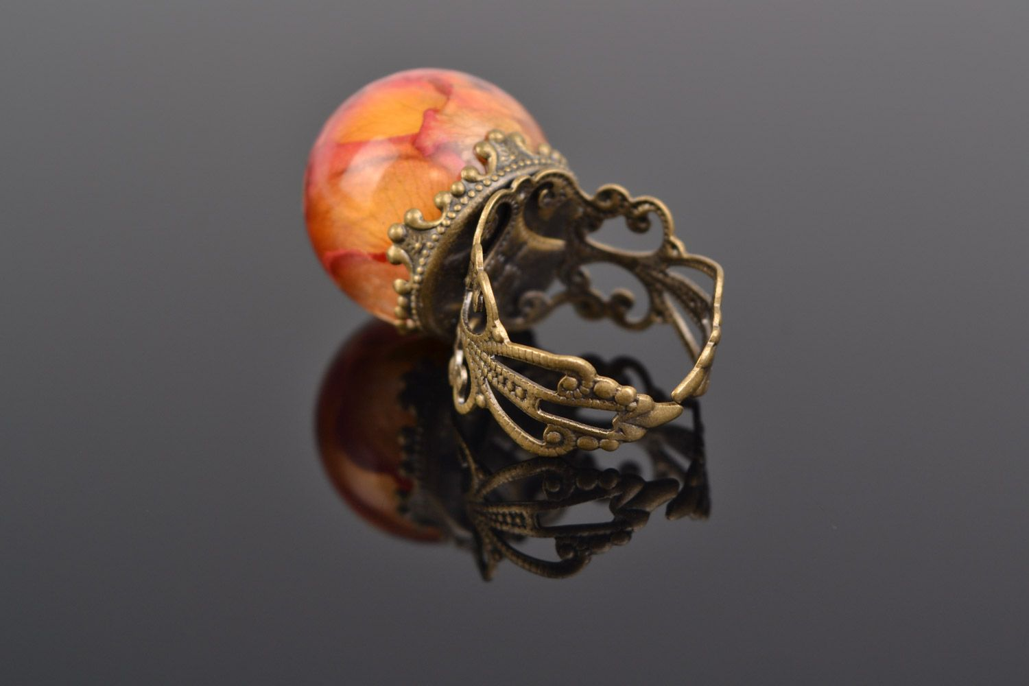 Orange and pink handmade ring with real rose coated with epoxy photo 4