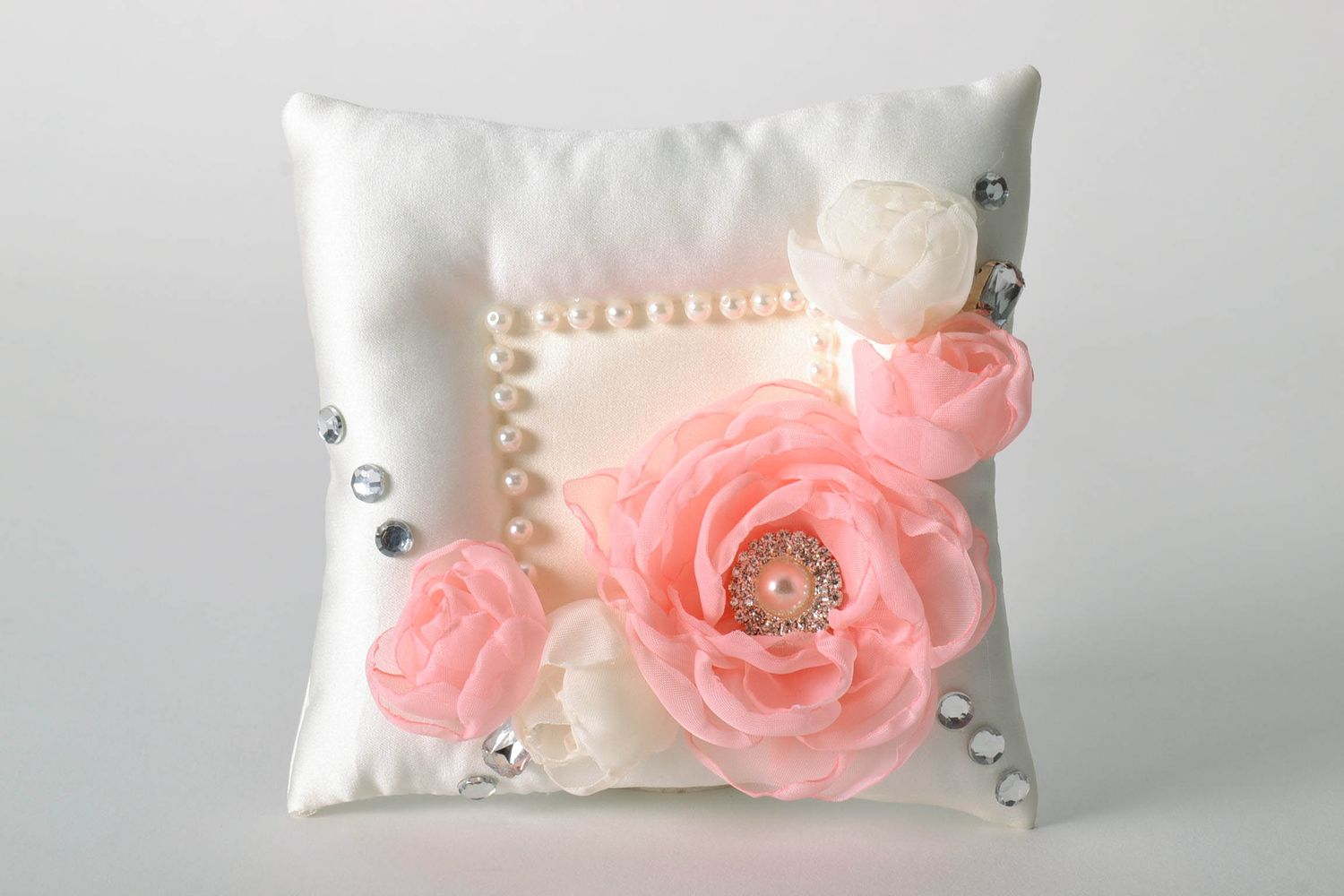 wedding accessories Ring pillow - MADEheart.com