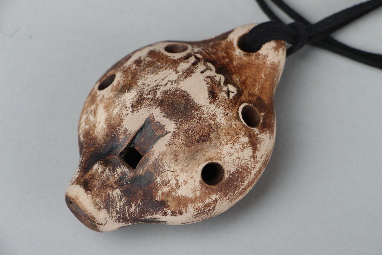 Кулон-свистулька из глины Овен фото 3