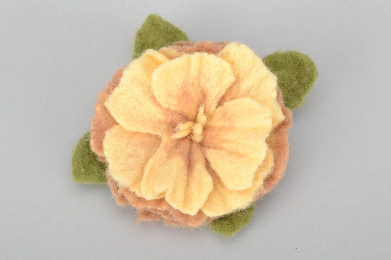 Brosche aus Wolle Rose foto 4