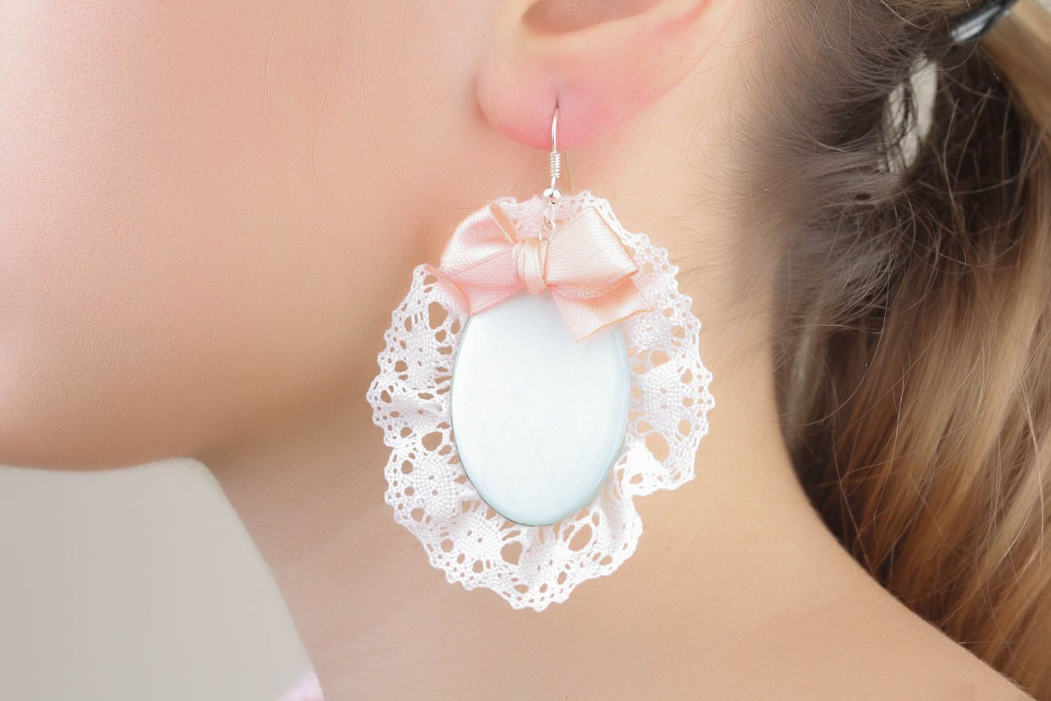 Earrings with lace and bows photo 4