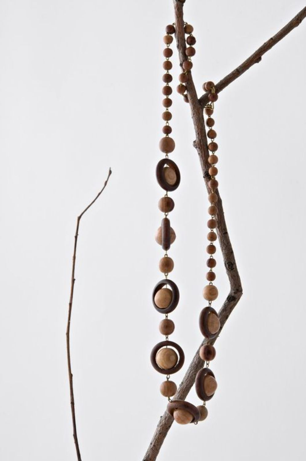 Long wooden beads photo 1