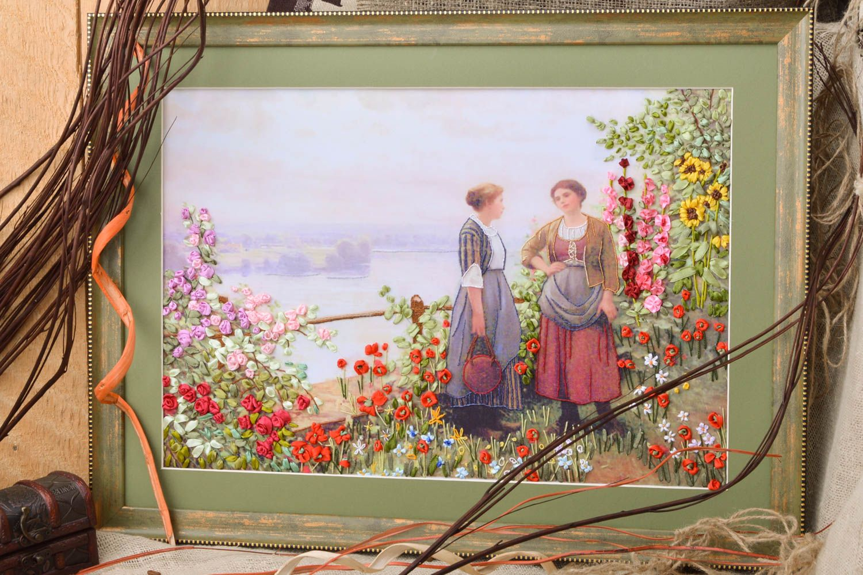 MADEHEART > Cuadro bordado con cintas artesanal enmarcado en lienzo ...