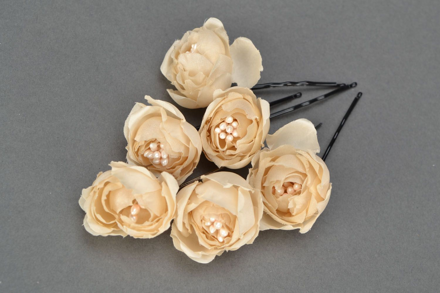 Hair pins with flowers Creamy Dreams photo 1