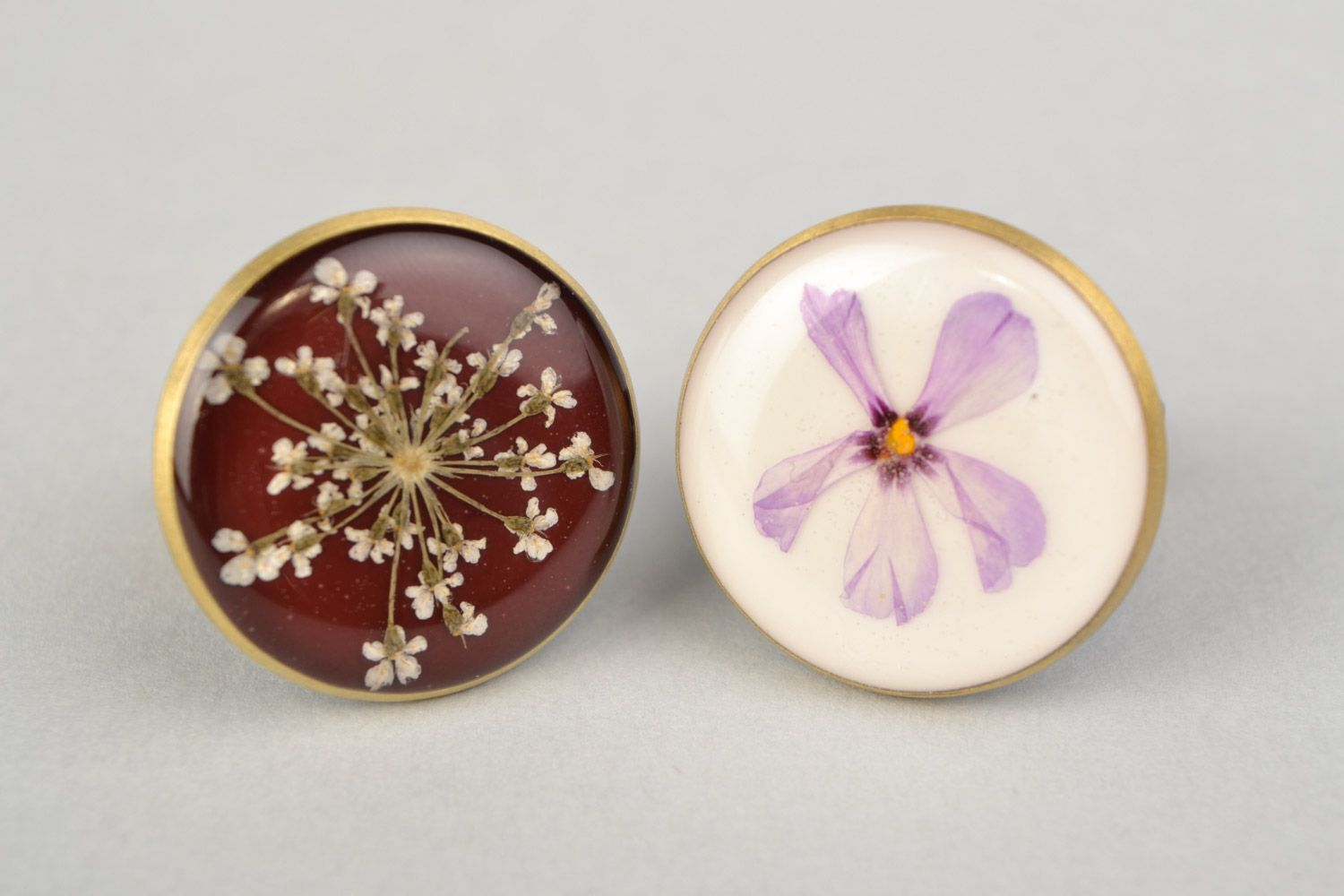 Two handmade flat round rings with natural flowers in epoxy resin for women photo 3