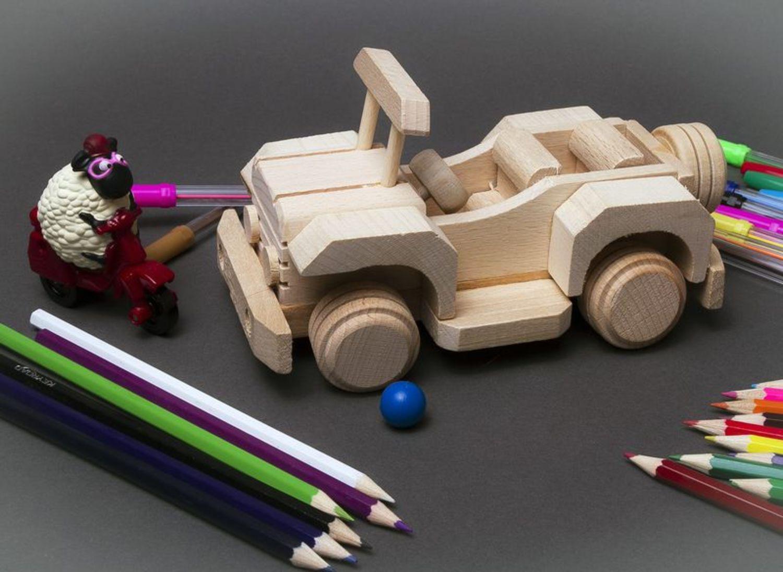 Игрушки сделаны своими руками машинки