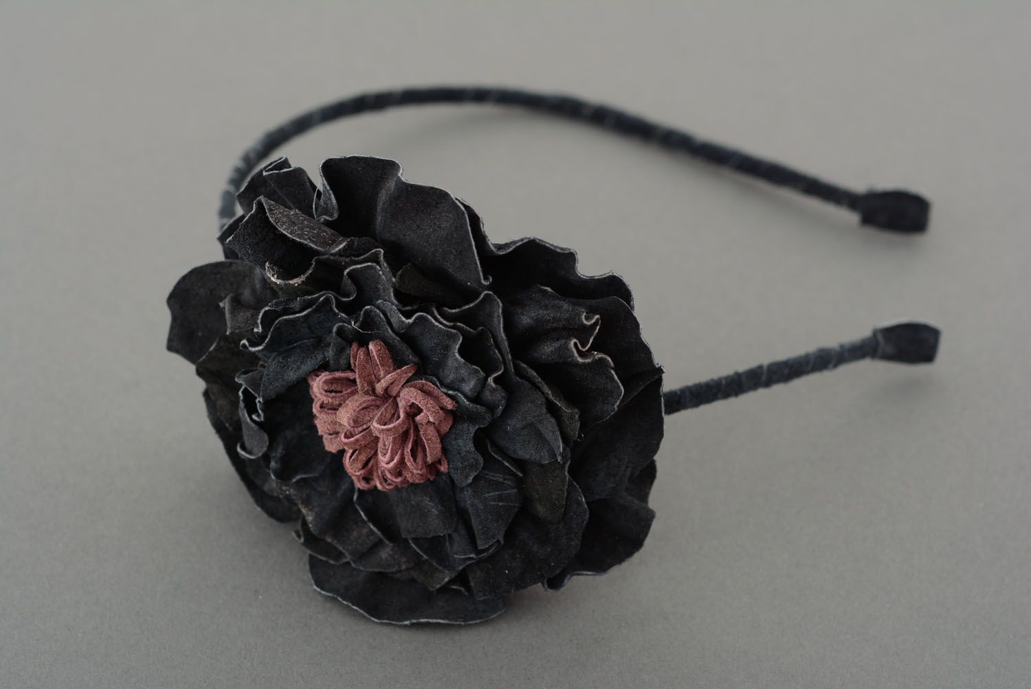 Headband with a leather flower photo 2